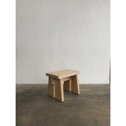 Chisai Stool, merk Wof Wooden